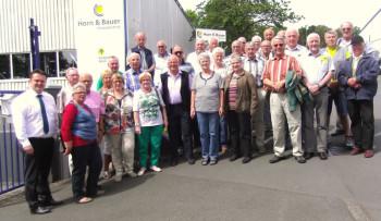 Mitglieder der AG 60 plus besuchten Horn & Bauer. Foto: nh