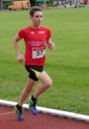 Marvin Knaust steigerte seine nordhessische Bestzeit über 800 Meter der M15 auf 2-14 Minuten. Foto: nh
