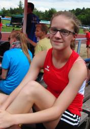 Lynn Olson war die Überraschung aus  Melsunger Sicht.  Die 14-Jährige holte sich den 800m-Sieg in der U16 mit 2-30 Minuten. Foto: nh