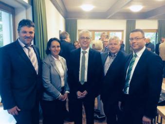 Verkehrsminister Tarek Al-Wazir, folgte der Einladung der CDU Schwalmstadt. Mit Bürgermeister Dr. Gerald Näser, Karina Moritz, Karsten Schenk und Mario Schenk. Foto: nh