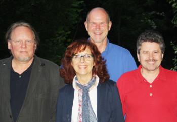 BI wird eingetragener, gemeinnütziger Verein. Der Vorstand sind (von links) Andreas Grede, Niedenstein (stellv. Vorstand, BI-Sprecher), Barbara Düsterhöft, Grifte (Vorstand), Jürgen Düsterhöft, Grifte (stellv. Vorstand, Finanzen), Horst Sandmüller, Gudensberg (stellv. Vorstand). Foto: nh