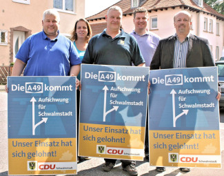 Karsten Schenk, Karina Moritz, Marcus Theis, Steffen Moritz und Armin Happel (v.l.). Foto: nh