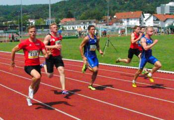 Dennis Horn (ganz links) überraschte am ersten Tag über 100 m. Foto: nh