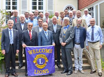 Gruppenfoto mit dem neuen Präsidenten Ulrich Neudecker (mit Amtskette). Foto: Reinhold Hocke