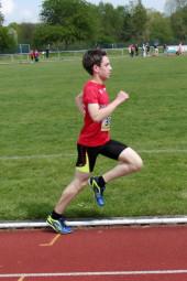 Marvin Knaust auf dem Weg zur neuen 800m-Bestzeit. Foto: nh