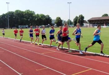 800m-Finale der U16 nach 200 Metern. Foto: nh