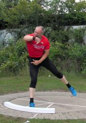 Uwe Krah holte sich im Kugelstoßen mit 13,72 m die Bronzemedaille. Foto: nh