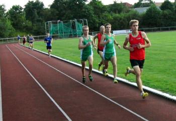 Langstrecken-Ass Lorenz Funck hielt die erfolgreichen Läufer des PSV Grün-Weiß Kassel auch über 800 Meter in Schach. Foto: Alwin J. Wagner