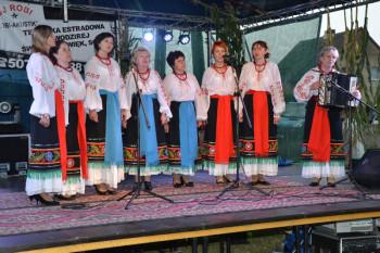 """Beim Familiennachmittag des Gudensberger Viehmarktes tritt die Folkloregruppe """"Homin"""" (Echo) aus der befreundeten ukrainischen Kleinstadt Schtschyrez auf. Foto: nh"""