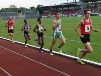 So sah es lange im 5000m-Lauf aus- Jonas Simon vor Tom Ring und den beiden Läuferinnen aus Äthiopien, aber Lorenz Funck ließ sich nicht abschütteln. Foto: nh
