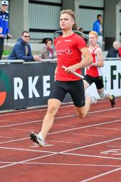 Dennis Horn holte sich nach dem zweiten Platz über 100 m als Schlussmann in der 4x100m-Staffel den Sieg. Foto: Alwin J. Wagner