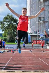 Jan Ullrich glänzte mit 6,27 m als Weitsprungsieger. Foto: Alwin J. Wagner
