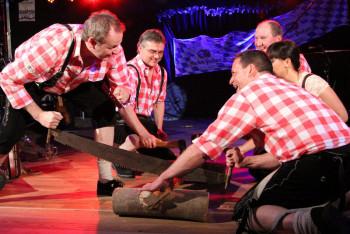 Hüttengaudi – das Showtheater Schreckschuss. Foto: Rainer Sander