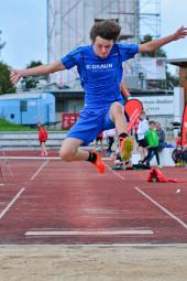 Stojan Nikolic holte mit seinem zweiten Platz im Weitsprung wertvolle Punkte für das MT-Team. Foto: nh