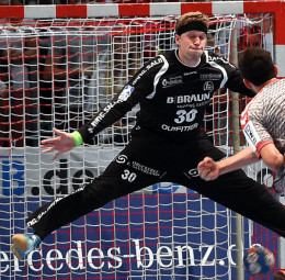 MT-Keeper René Villadsen könnte in Hannover auf seinen dänischen Landsmann Morten Olsen treffen, falls dessen Schulterprobleme einen Einsatz zulassen. Foto: Hartung