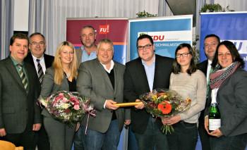 Andreas Göbel, MdB Bernd Siebert, Malwina Schenk, Dr. Gerald Näser, Karsten Schenk, Christian Brück, Katja Beyer, Mario Heinrich Schenk und Karina Moritz. Foto: nh