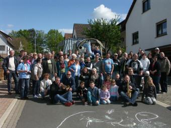 """Die """"Straßenhocker"""" der Straße """"Vor der Hardt"""" in Schwalmstadt-Allendorf veranstalten am 18. Oktober ein Herbstfest. Foto: nh"""