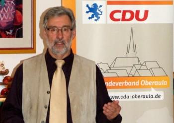 Spitzenkandidat Dieter Groß bei seiner Ansprache zum Aufbruch in die spannende Zeit des Wahlkampfes. Foto: nh