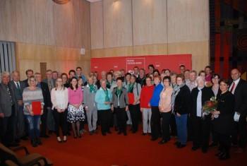Im Rahmen einer Feierstunde hat der SPD-Bezirk Hessen-Nord den in diesem Jahr zum sechsten Mal ausgelobten Ehrenamtspreis in der Stadthalle in Baunatal an die ausgewählten Preisträger vergeben. Foto: nh