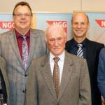 Jubilar Berthold Möller (Wehretal, 70 Jahre Mitgliedschaft) zusammen mit NGG-Vertretern: Harald Stunz (Vorsitzender NGG-Region Nord- und Mittelhessen), Claus-Harald Güster (stellvertretender NGG-Bundesvorsitzender), Berthold Möller (Jubilar, 70 Jahre Mitgliedschaft), Andreas Kampmann (Geschäftsführer NGG-Region Nord- und Mittelhessen) und Uwe Hildebrandt (Vorsitzender des NGG-Landesbezirks Südwest) (v.l.). Foto: nh