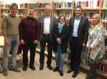 Hendrik Schulz (Kassenprüfer), Andreas Göbel (Schriftführer), Dr. Helmut Bernsmeier (1. Vorsitzender), Katharina Eisennach (2. Vorsitzende), Frank Siesenop (Kassenführer) und Malwina Schenk (Kassenprüfer) (v.l.). Foto: nh