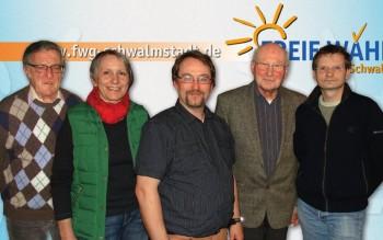 Kassenwart Heinrich Schwalm, Fraktionsvorsitzende und Pressereferentin Christel Bald, 1. Vorsitzender Detlef Jacob, 2. Vorsitzender Werner Kimmel und Schriftführer Thomas Kölle (v.l.). Foto: nh