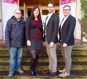 Die Kreistagskandidaten der Jusos Schwalm-Eder: Florian Reichhold, Rosa Hamacher, Dr. Philipp Rottwilm und Marcel Klitsch (v.). Foto: nh