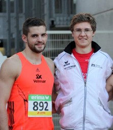 Sven Eichel und Tobias Stang lieferten sich im Dreisprung ein spannendes Duell. Foto: nh