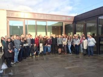 Angehende Sozialassistenten zu Besuch in Wiesbaden. Foto: nh
