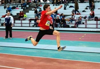 Tobias Stang erzielte im Dreisprung mit 12,77 m eine neue Bestweite. Foto: nh