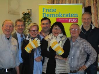 Dr. Hubert Schaake, Werner Rippel, Helio Zimmermann, Michael Maaß, Margarete Rippel und Fred Krollpfeiffer (v.l.). Foto: nh