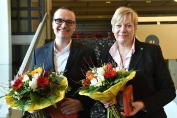 Oliver Dietzel (1. Bevollmächtigter) und Elke Volkmann (2. Bevollmächtigte) wurden von den Delegierten mit großer Mehrheit bestätigt. Foto: nh