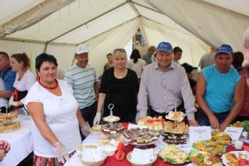 Hausgemachte polnische Spezialitäten aus der Partnerstadt Jelcz-Laskowice gibt es wieder beim Gudensberger Schmeckefuchs. Foto: nh