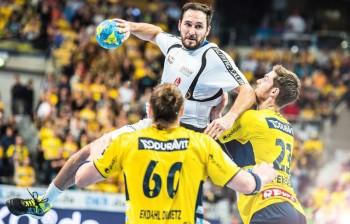 Szene mit Symbolcharakter: Philipp Müller kann die deutliche Niederlage noch gar nicht richtig fassen. Foto: Alibek Käsler