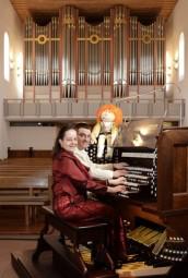 Orgel-Duo Iris und Carsten Lenz. Foto: nh