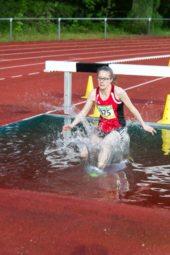 Lynn Olson zum ersten Mal im Wassergraben. Foto: nh