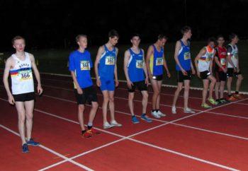 Start zum 2000-Meter-Hindernislauf der U18. Foto: nh
