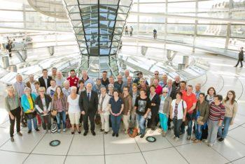 SPD-Bundestagsabgeordneter Dr. Edgar Franke empfing eine Besuchergruppe aus seinem Wahlkreis in Berlin. Foto: nh