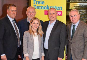 Die Spitze der Freien Demokraten im Schwalm-Eder-Kreis: Nils Weigand, Dr. Ortwin Sprenger, Wiebke Reich, Lars Grein und Reinhold Hocke (v.l.). Foto: nh