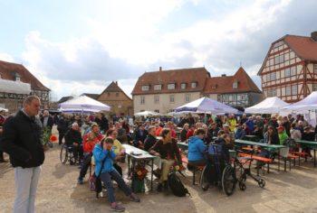 Rund 200 Teilnehmer kamen zu dem Aktionstag auf den Paradeplatz in Ziegenhain. Foto: nh