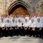 Die Mitglieder des Männergesangvereins (MGV) Liedertafel 1842 vor dem Spangenberger Schloss. Archivbild: nh