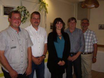 Fraktionsvorsitzender Alexander Erler, Reinhold Richardt, Marnie Wagner, Rolf Stiebing und Dieter Groß (v.l.). Foto: nh