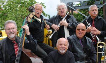 Die sechs Musiker der Hot Jazz Company aus Kassel. Foto: nh
