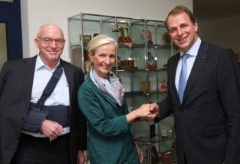Prof. Dr. Martin Viessmann (alter IHK-Präsident), Sybille von Obernitz (IHK-Hauptgeschäftsführerin) und Jörg Ludwig Jordan (neuer IHK-Präsident) (v.l.). Foto: nh