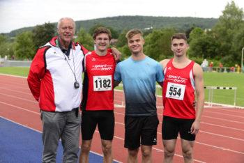 Trainer Wagner mit seinen erfolgreichen Schützlingen Tobias Stang, Dennis Horn und Henri Alter. Foto: nh
