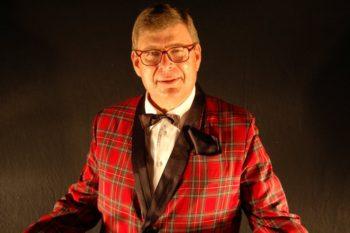 Als vielseitiger und perfekter Stimmenimitator und Sänger hat sich Gerhard Teuber auf der Bühne und im TV einen Namen gemacht. Foto: nh