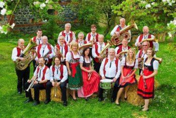 Die Leimsfelder Dorfmusikanten. Foto: nh
