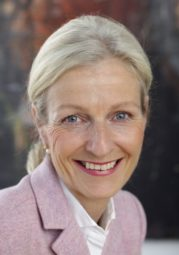 IHK-Hauptgeschäftsführerin Sybille von Obernitz. Foto: nh