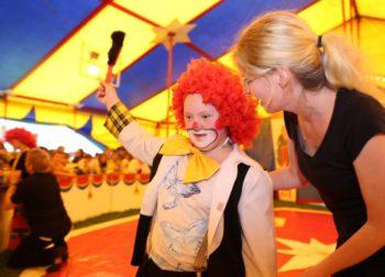 Zirkus-Projekt Manegentraum in der Hermann-Schuchard-Schule, Teil der Erweiterten Förderschule Hephatas. Foto: nh