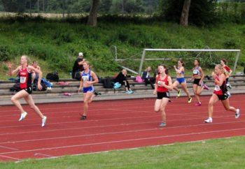 Katharina Wagner setzte sich mit raumgreifenden Schritten im 100m-Finale der Frauen souverän durch. Foto: nh